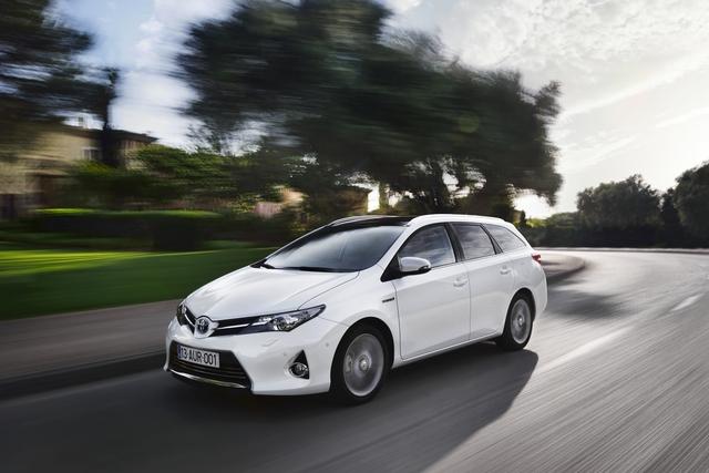 Gefragte Gebrauchtwagen  -  Benziner und Hybride verkaufen sich schnell