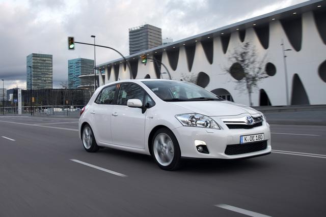 Neuer Toyota Auris - Wieder mit Hybridantrieb – erstmals auch als Kombi