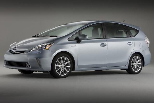 Toyota Prius v - Der Ur-Hybrid wird zur Familie