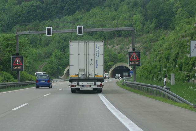 Ratgeber: Sicher durch den Tunnel - Im Notfall Zündschlüssel stecken lassen