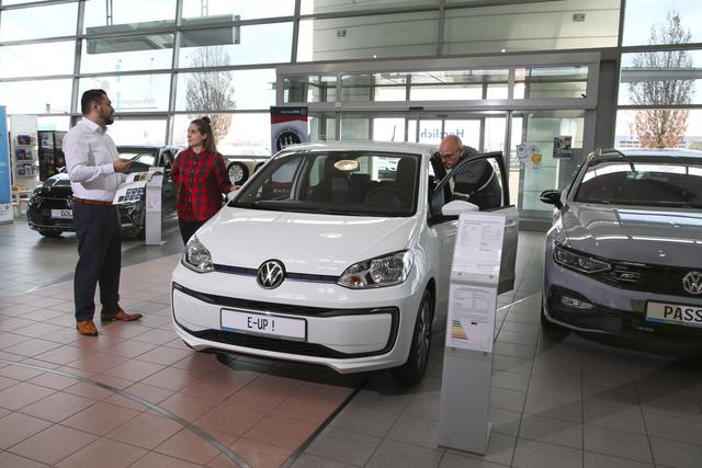 Gebrauchte Elektroautos   - Nachfrage nur bei Rabatt