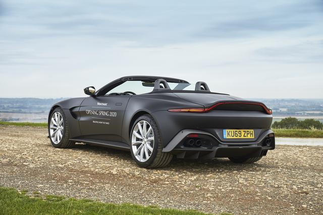 Aston Martin Vantage Roadster - Start zur Open-Air-Saison