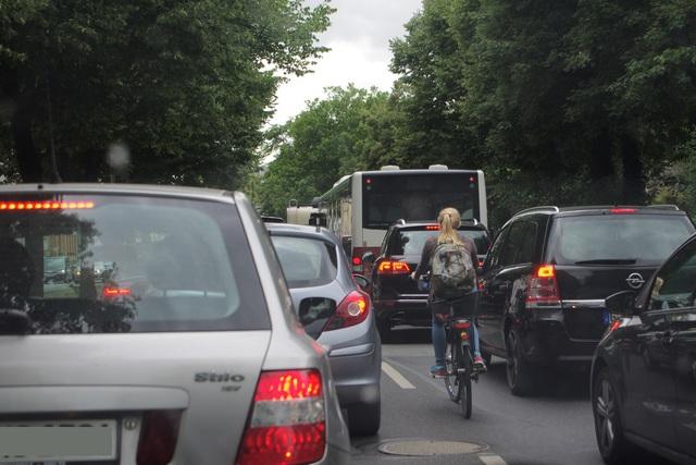 Fahrzeugbestand in Deutschland - Immer mehr und immer älter