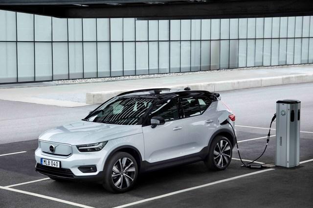 Volvo XC40 Recharge Pure Electric - Single statt Twin
