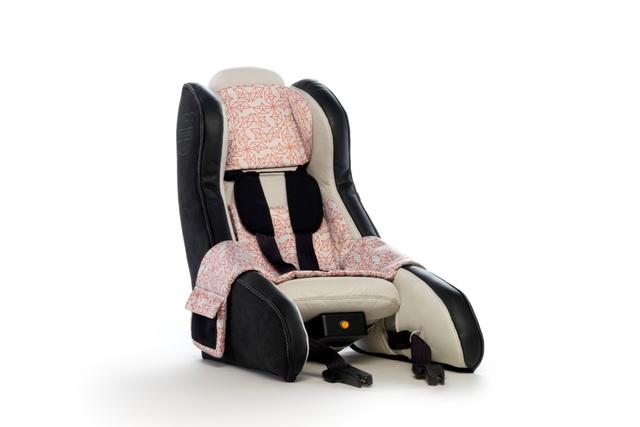 Aufblasbarer Kindersitz von Volvo - Faltbarer Schutz für die Kleinsten