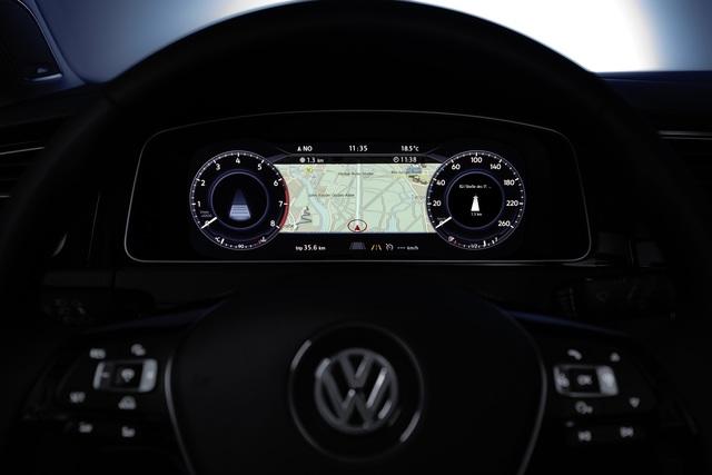 Ratgeber: Navigation im Auto - Preiswerte App oder komfortables Spezialgerät?
