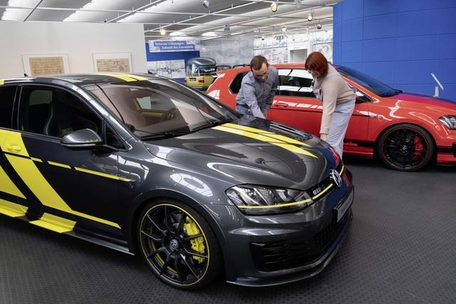 """VW-Museum: Sonderschau """"Kult und Power"""" - Das dynamische Dutzend"""