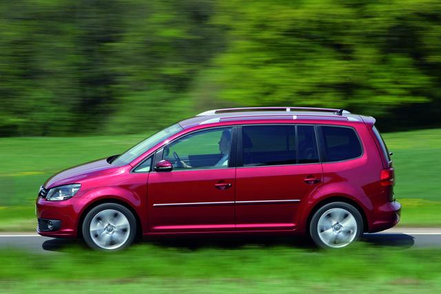 VW Touran: Der Familienvan zeigt sich runderneuert (Kurzfassung)