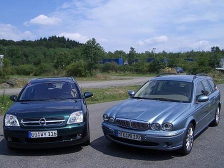 X-Type Estate vs. Vectra Caravan - Gestern und heute