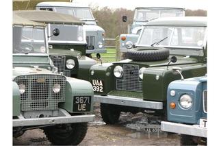 Tradition: 70 Jahre Land Rover Defender - Typisch britisch wie die ...