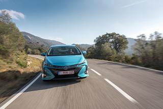 Toyota Prius Plug-in - Extra-Reichweite aus der Steckdose (Kurzfass...