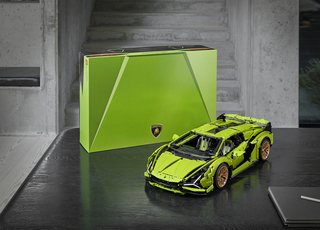 Lego-Lamborghini   - Supersportwagen aus 3.700 Teilen