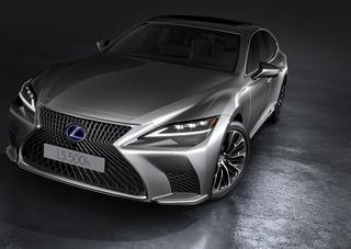 Lexus LS  - Fein gewebter Mondschein