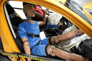 Crashtest: Lässig kann Leben kosten - Gefahren der Sommer-Sorglosig...