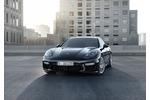 Porsche Panamera Turbo und Panamera S E Hybrid - Verschieden und do...