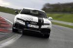Audi RS7 führerlos im Renntempo - Flott und führerlos