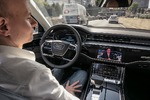 Autonomes Fahren im neuen A8 - Basis-Demokratie