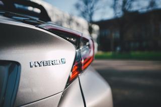 Zurück zur Nummer eins mit PHEV und Elektro - Toyotas Kampf um die ...