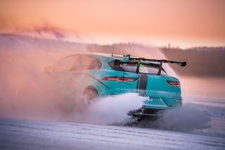 So fährt sich der Jaguar I-Pace eTrophy - Schneekanone