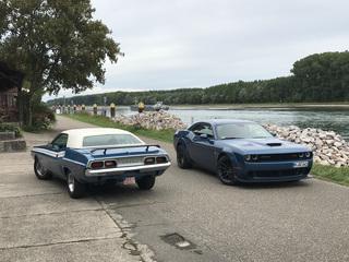 Impression: Dodge Challenger R/T 2021 trifft Challenger R/T 1974 - ...