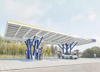 EnBW eröffnet Ladepark mit Solardach - So sieht das Tanken der Zuku...