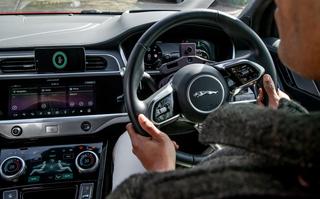 Fahrerüberwachung per Kamera - Das Auto mildert den Stress