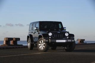 Jeep Wrangler als Sondermodell - Schwarz und glänzend