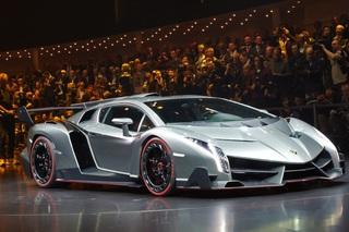 Lamborghini Veneno - Stier gewinnt