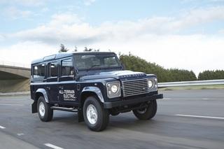 Land Rover Electric Defender - Stromern über Stock und Stein