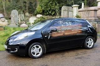 Nissan Leaf als Leichenwagen - Die letzte Reise ist elektrisch