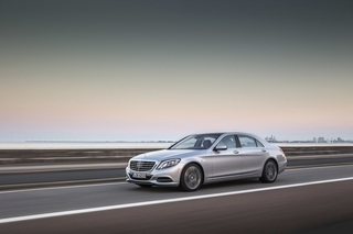 Update für Mercedes C- und S-Klasse - Eingebauter Parkplatzfinder