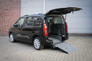 Opel Combo für Rollstuhlfahrer - Ab Werk mobil