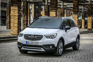 Opel Crossland X  - Abstand gewahrt