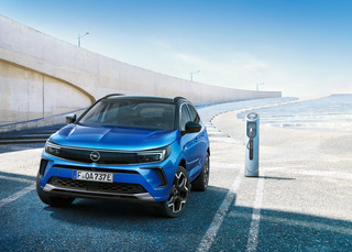 Opel Grandland: Facelift bestellbar - Neues Gesicht, mehr Technik