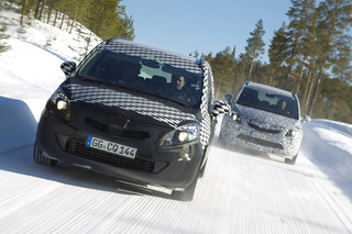 Opel Zafira Prototyp - Schneewalzer in geheimer Mission