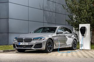 BMW 545e xDrive  - E-Hilfe für den Sechszylinder