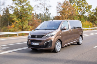 Test: Peugeot Traveller - Großraum plus Limousine