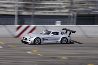 Flügel auf der Strecke: Rennversion des Mercedes SLS bestellbar