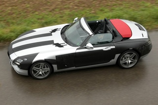 Mercedes SLS Roadster - Der Flügeltürer legt ab