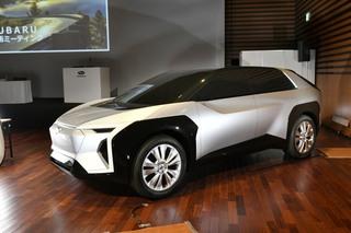 Subaru zeigt künftiges E-Modell - Kantiges Kompakt-SUV