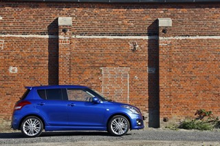 Suzuki Swift Sport 5-Türer - Mehr Alltagstauglichkeit für den Mini-...