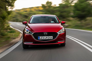 Mazda 2: Renovierter Kleinwagen mit Mildhybrid-Antrieb