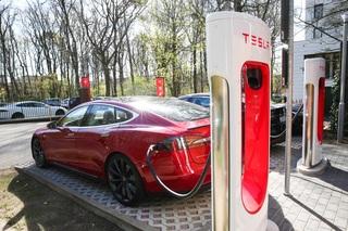 Tesla rüstet Supercharger auf - 30 kW mehr am alten Anschluss