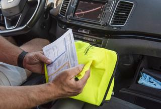 """Tipp: Unfall mit ausländischem Pkw   - """"Grünes Büro"""" hilft"""