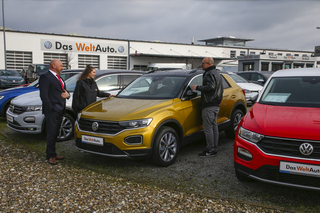 Umfrage: Gebrauchtwagen  - Gebrauchtwagenhandel wird digitaler