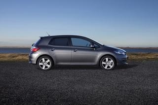 Toyota Auris - Plus per Paket