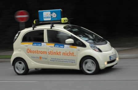 Deutschlands erstes Elektro-Taxi - Die Flüster-Droschke