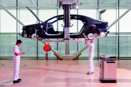 10 Jahre Gläserne Manufaktur - Autobau im Wohnzimmer